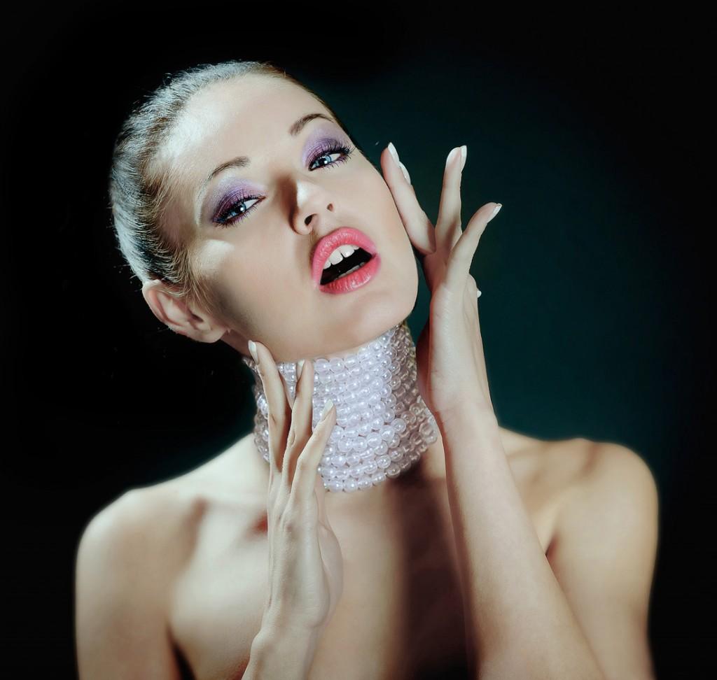 модный макияж, цветные смоки айз, яркий макияж глаз, цветные тени, макияж весна-лето 2013, тренд сезона в макияже, модные тенденции в макияже