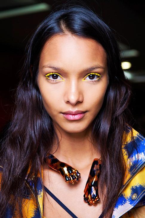 модный макияж, яркий макияж глаз, цветные тени, макияж весна-лето 2013, тренд сезона в макияже, модные тенденции в макияже