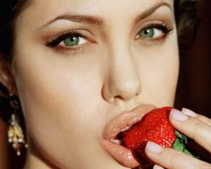 макияж для зеленых глаз, зеленые глаза, красная помада